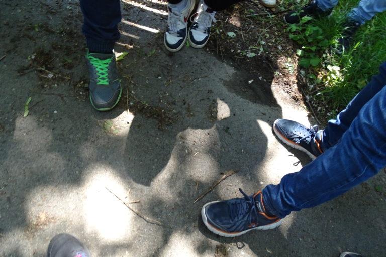Bildausschnitt mit Schuhen