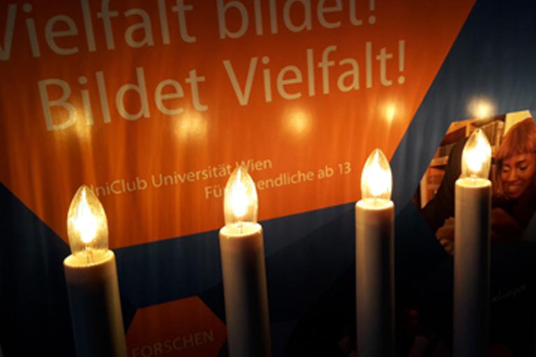 "Kerzen beleuchten Plakat ""Vielfalt bildet - bildet Vielfalt!"""